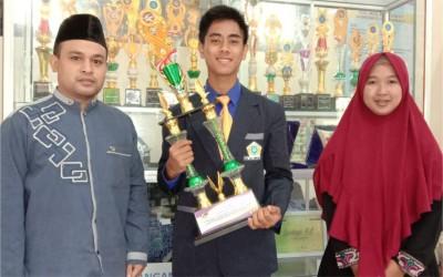 MA Al-Hikmah 2 Juara Pidato Bahasa Inggris Dalam Ajang Lomba Gebyar Nusantara II