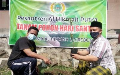 Hari Santri Nasional, MA Al-Hikmah Putra Tanam Pohon Wujudkan Sekolah Sehat 2021